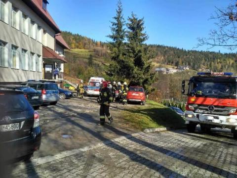 Ktoś rozpylił w szkole gaz pieprzowy. Cztery uczennice trafiły do szpitala