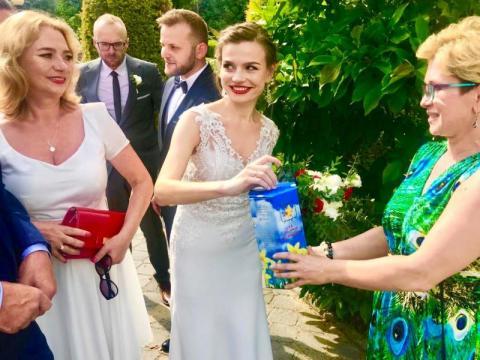 Nowożeńcy nie chcieli kwiatów. Postanowili pomóc Sądeckiemu Hospicjum