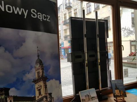 tablica  w Centrum Informacji Turystycznej w Nowym Sączu, fot. Iga Michalec