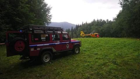 Akcja ratunkowa w Gorcach. Z pomocą turyście ruszyli goprowcy i śmigłowiec LPR