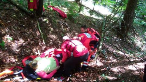 Turystka doznała urazu nogi. Z pomocą ruszyli goprowcy i pogotowie ratunkowe