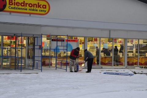 Piwniczna: Budują nową Biedronkę rzut beretem od granicy. Padną kolejne rekordy obrotów w Polsce?