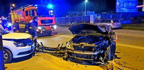Nocny wypadek na ul. Węgierskiej. Kobieta trafiła do szpitala