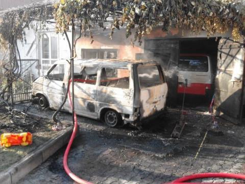 Nowy Sącz. Pożar busa sparaliżował ruch na ul. Na Rurach