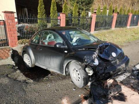 Czołowe zderzenie na ul. Barskiej. Aż cztery osoby trafiły do szpitala [ZDJĘCIA]