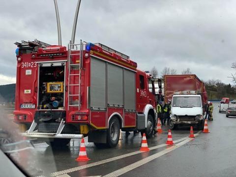 Wypadek na ul. Tarnowskiej. Ciężarówka zderzyła się z dostawczakiem [ZDJĘCIA]