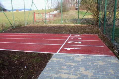 Szkoła Podstawowa w Męcinie ma nowe obiekty sportowe