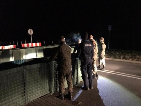 Wojsko idzie na wojnę z koronawirusem. Żołnierze będą pomagać policjantom