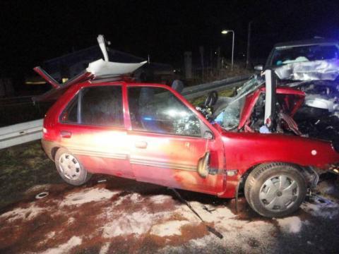 Czołowe zderzenie w Miliku. Młoda kobieta była reanimowana