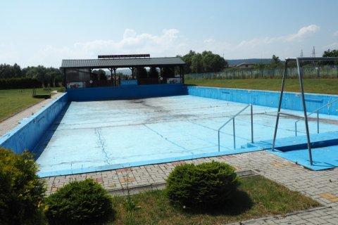Zielone światło dla remontu basenu na Łubince i modernizacji ratusza!