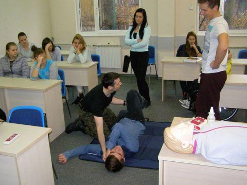Ćwiczenia pierwszej pomocy