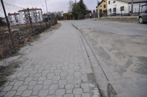 Ledwo napisaliśmy, już chodnik naprawili