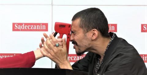 Jak on to robi?! Iluzjonista Andre Costa pokazał swoje magiczne umiejętności