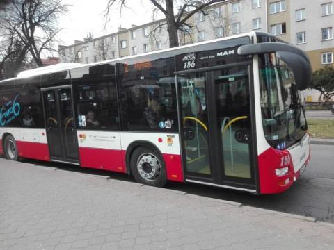 Nowy Sącz: co z tymi biletami. Sprzedawać w miejskich autobusach czy nie?