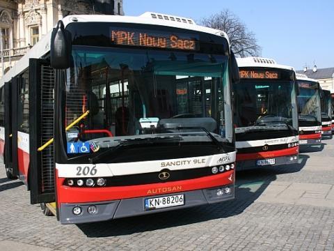 Nowy Sącz: Przez korki nawet autobusy MPK wypadają z rozkładu! Jak to możliwe?
