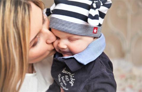 Dzień Mamy. Pochwal się laurką i twórczością swojego dziecka!
