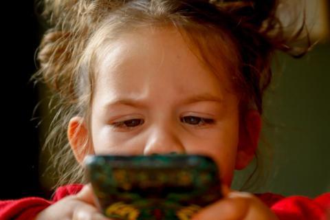 Konstancja Frączek: cyfrowa rewolucja. Co oznacza dla naszych dzieci?