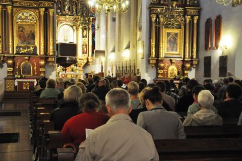 Katolicy świętują dzisiaj Ofiarowanie Pańskie. W kościołach święci się gromnice