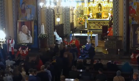 Jest kara za przekroczenie limitu wiernych na mszy w Mszanie i to nie koniec