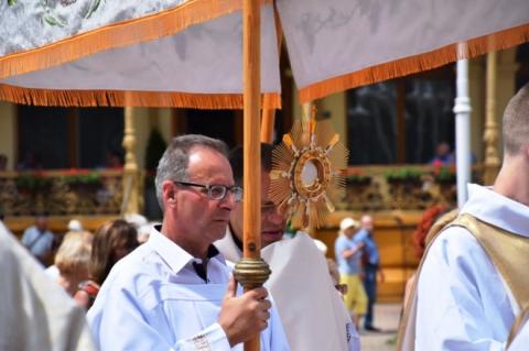 _nie będzie procesji Bożego Ciała ulicami miasta, lecz wokół kościołów