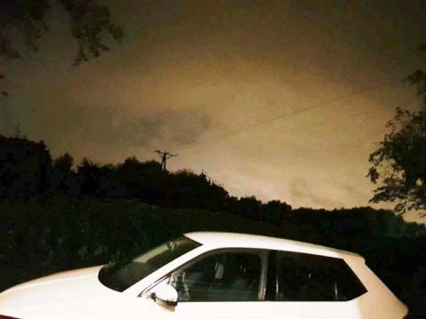 Zaczęło się w nocy. Ściana deszczu, grzmoty i błyski nad Nowym Sączem