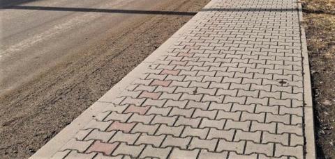 Korzenna: w Siedlcach jest już nowy chodnik. Nieduża inwestycja, a cieszy