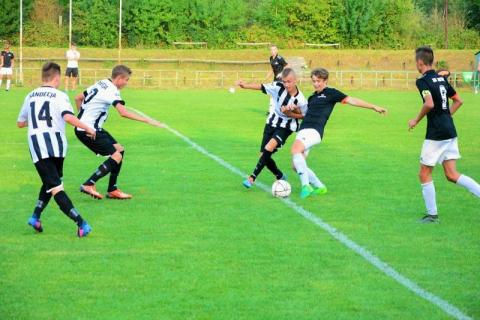 Zwycięstwo młodych piłkarzy w Centralnej Lidze Juniorów