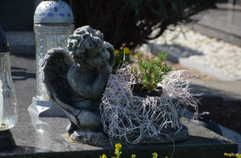 Informatyzacja na podegrodzkich cmentarzach. Dziś znajdziesz każdy grób w gminie