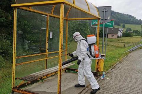 Akcja dezynfekcji w Łabowej. Przystanki wolne od wirusów