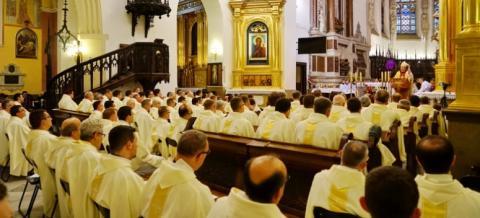Kapłani będą celebrować Mszę Krzyżma Świętego. Biskup pobłogosławi oleje