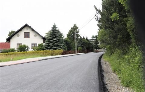 Korzenna: remont tej drogi dobiega końca. W końcu pojawiły się mijanki