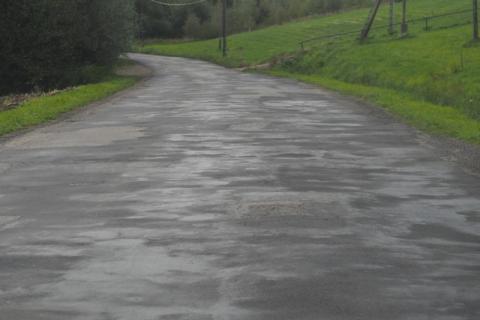 Droga w Długołęce Świerkli