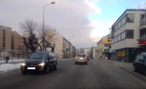Na wielu sądeckich ulicach brakuje pasów ruchu. Co na to drogowcy?