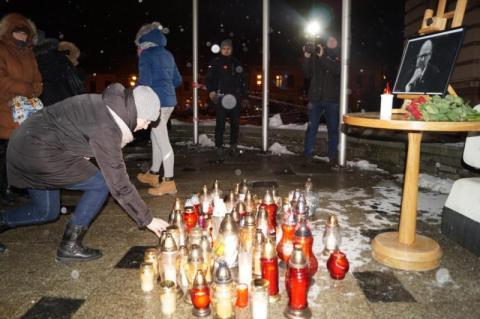 Nowy Sącz uczcił pamięć zmarłego prezydenta Gdańska, fot. Iga Michalec