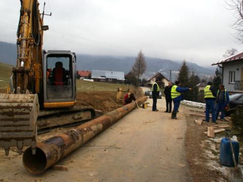 Rozkopią dwa sołectwa: rusza ofensywa kanalizacyjna w Piwnicznej-Zdroju.