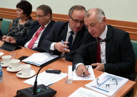 Koronakryzys demoluje gospodarkę, a sądecki starosta szykuje budżet z nadwyżką
