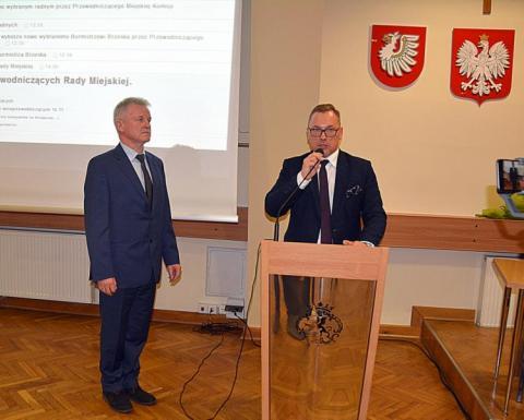 Brzesko: Grzegorz Brach – burmistrz Latocha ma nowego zastępcę. Kto rządzi radą?