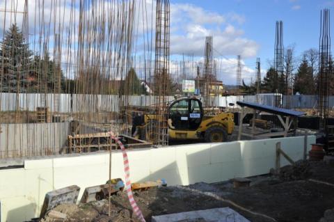 Chełmiec: gmina chce zaciągnąć 22 i pół miliona kredytu. Na co?