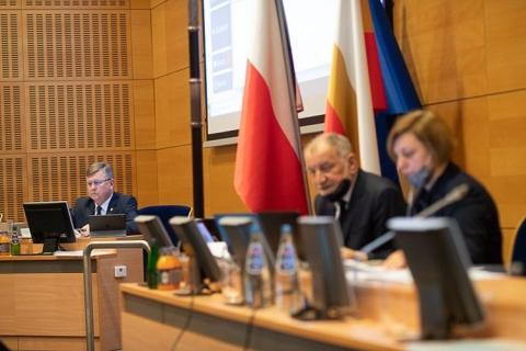Strategia Rozwoju Województwa Małopolskiego przyjęta ponad podziałami
