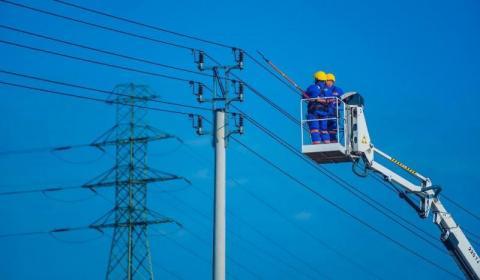 Awaria sieci energetycznej w gminie Gródek. Do kiedy nie będzie prądu