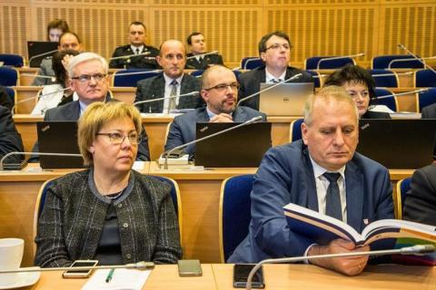Postawili w budżecie Małopolski na 2020 rok na inwestycje. Ile dali Sądecczyźnie