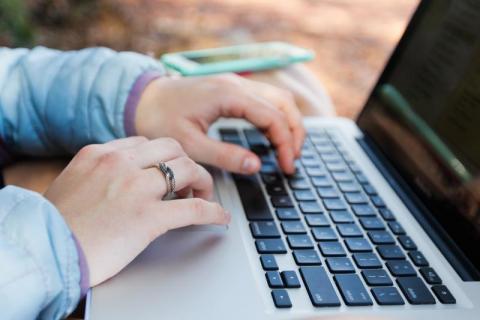 Nie potrafimy pisać maili? Oto 4 najczęstsze błędy, które popełnia każdy z nas