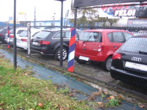 Autokomisy zbankrutują, bo starostwo nie chce teraz rejestrować aut
