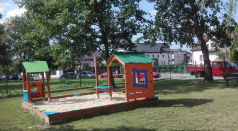 Sądeckie absurdy: trasa rowerowa zamiast łączyć odcina dzieci od Parku [WIDEO]