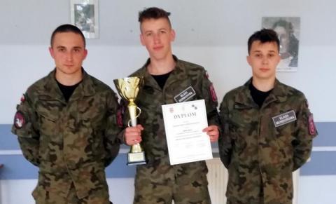 Uczniowie z Marcinkowic sprawni jak żółnierze