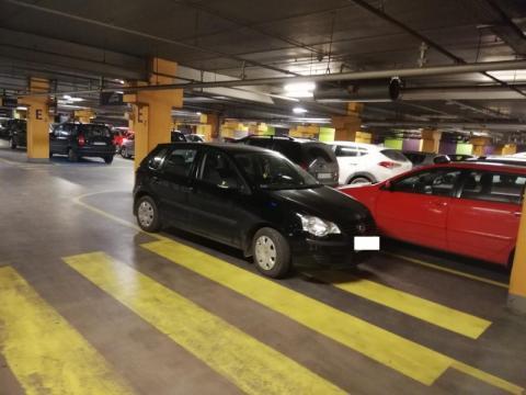 KNS-ów po parkowaniu poznasz? Parkingowy szowinizm rośnie w siłę