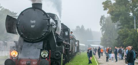Jesień z pociągami retro - odkryj historię kolei i poznaj atrakcje Małopolski