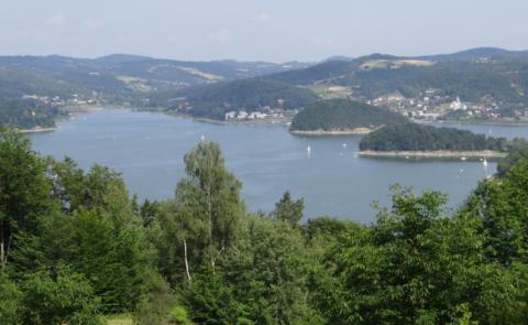 Poseł Jagna Marczułajtis-Walczak zajęła się stanem jeziora. Co z tego będzie?