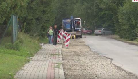 Kamionka Wielka: remont powiatówki wre, są utrudnienia na drogach [WIDEO]