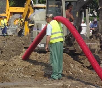 Chełmiec: Jest kasa na naprawę kanalizacji w Świniarsku! I nie tylko